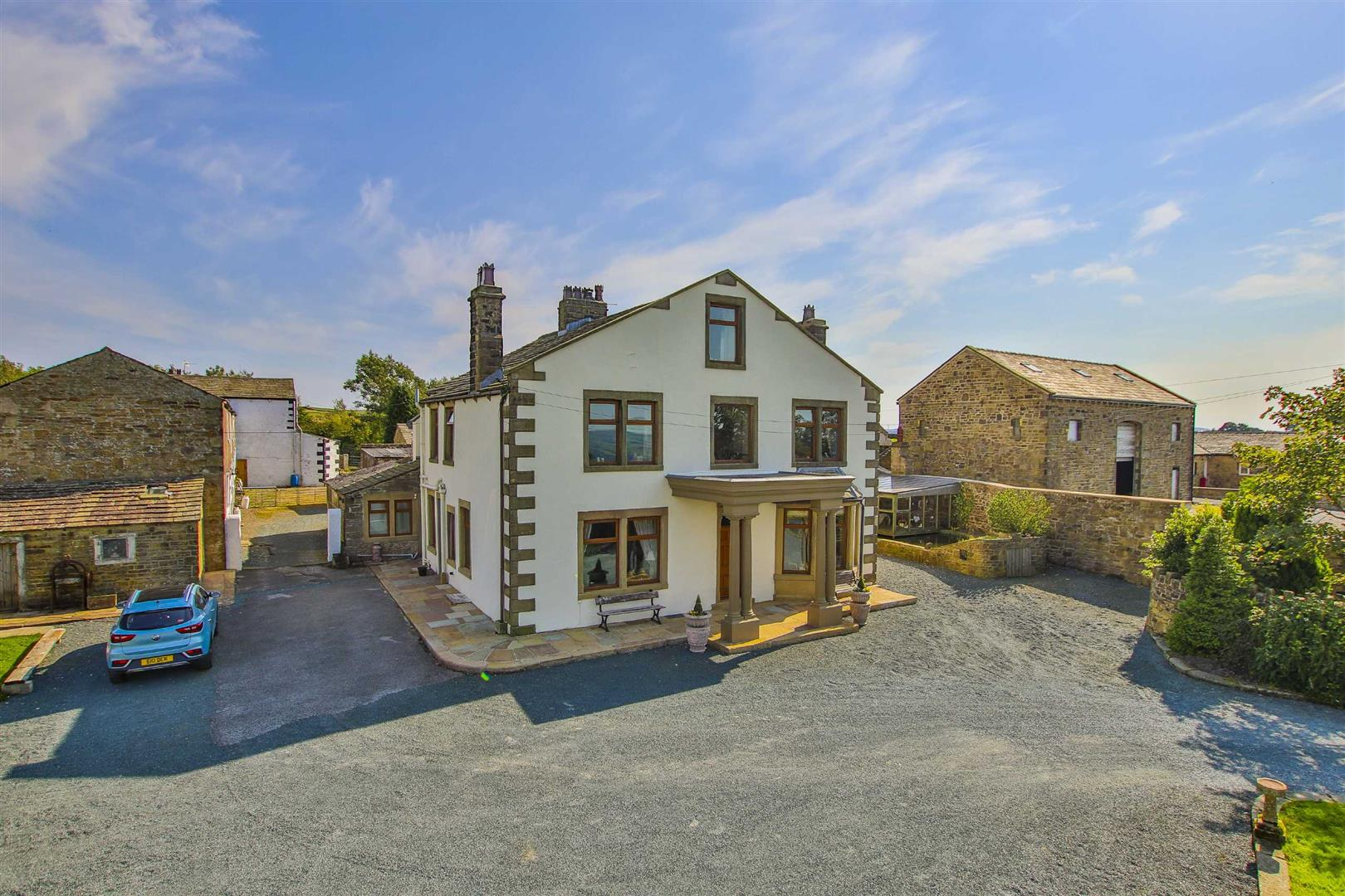 7 Bed Farmhouse For Sale - Main Image